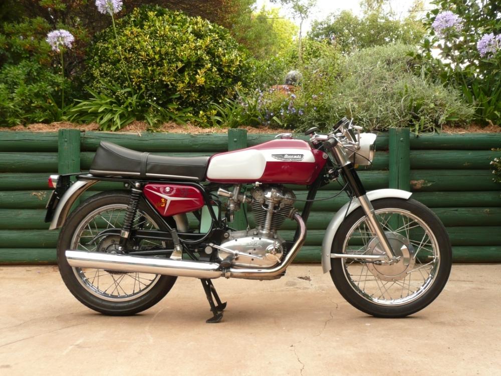 Ducati 250 Mk 3 Desmo (2/3)