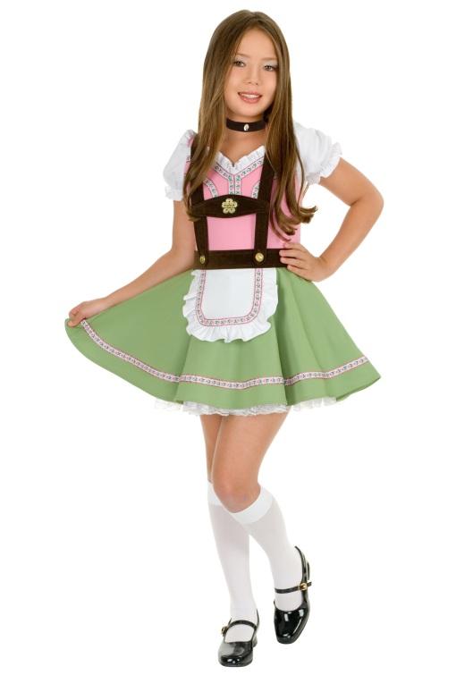 swiss-alps-girl-costume-zoom