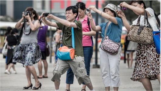 tourists 1