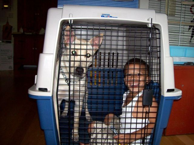 kids_in_cage_02